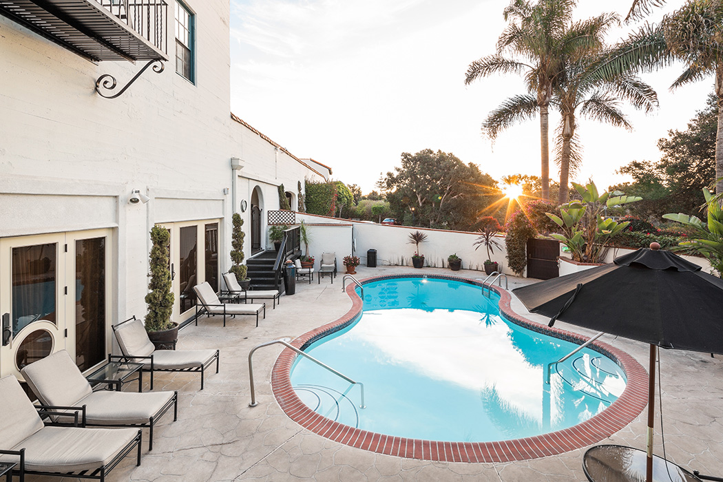 santa barbara luxury hotel pool