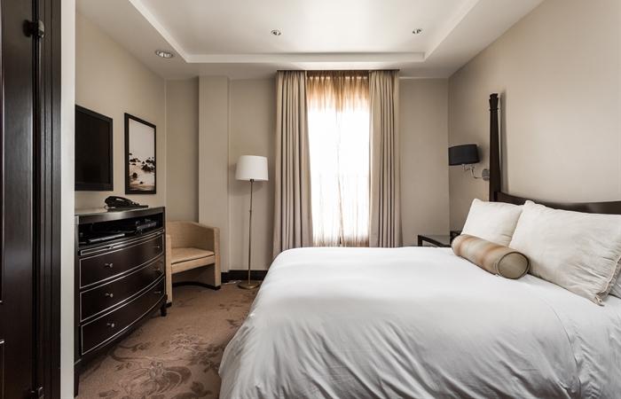 bedroom gallery.  santa barbara hotel The Apartment Santa Barbara Historic Hotel Photo Gallery
